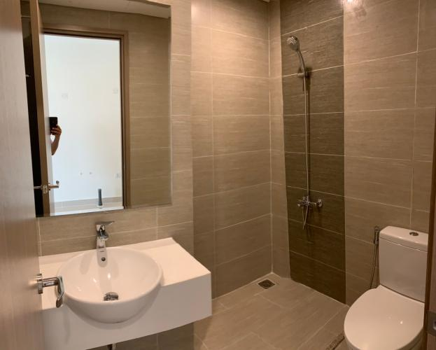 Toilet Vinhomes Grand Park Quận 9 Căn hộ Vinhomes Grand Park 2 phòng ngủ, view nội khu hồ bơi.