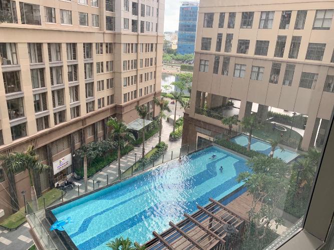 Saigon Royal, Quận 4 Căn hộ Officetel Saigon Royal hướng Đông Bắc, view nội khu hồ bơi.