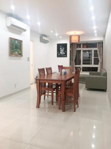 Bán hoặc cho thuê căn hộ Sky Garden 2PN, tầng thấp, tháp Sky Garden 3, đầy đủ nội thất