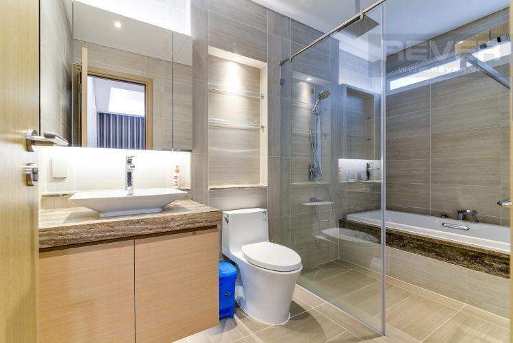 Phòng Tắm 1 Bán hoặc cho thuê căn hộ Sarina Condominium 3PN, tầng thấp, đầy đủ nội thất, diện tích 127m2