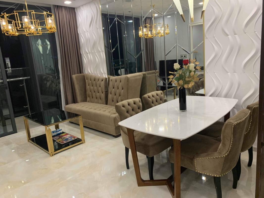 Bàn ăn Bán hoặc cho thuê căn hộ Vinhomes Golden River 2PN, tháp The Aqua 2, diện tích 68m2, đầy đủ nội thất cao cấp, view Bitexco