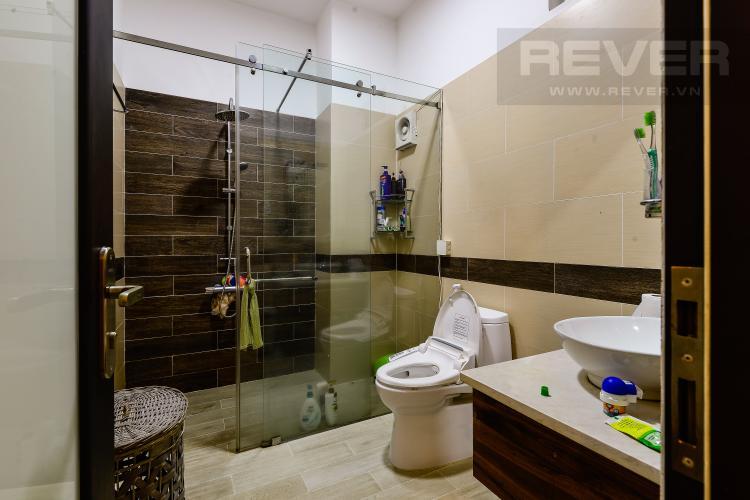 Toilet 2 Cho thuê nhà phố 5 tầng, tọa lạc trên đường số 33, Phường Bình An, Quận 2
