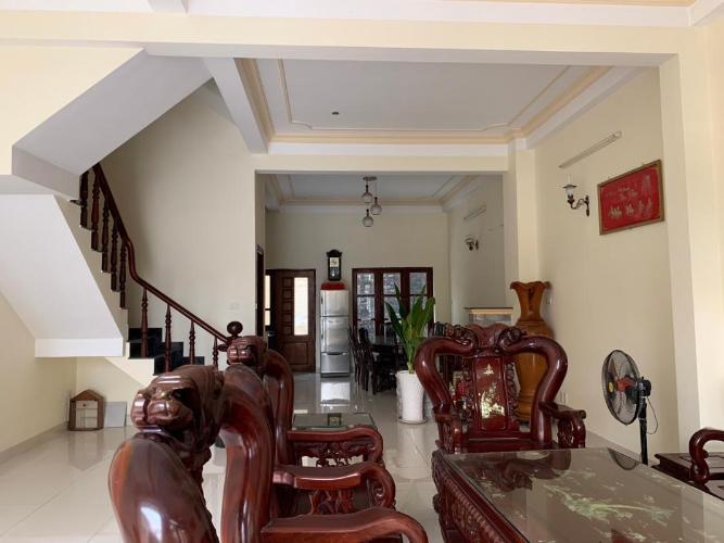 Biệt thự ven sông hướng Tây Nam, nội thất đầy đủ, diện tích 108m2