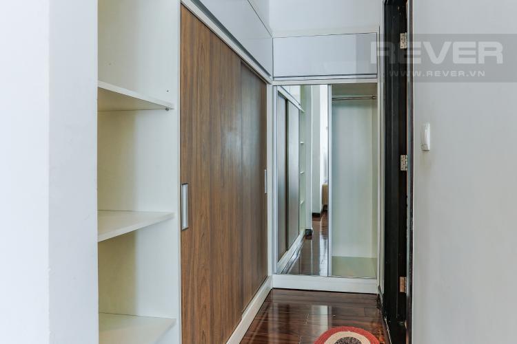 Phòng Thay Đồ Căn hộ Sunrise City tầng thấp, tháp V6, 3 phòng ngủ, full nội thất