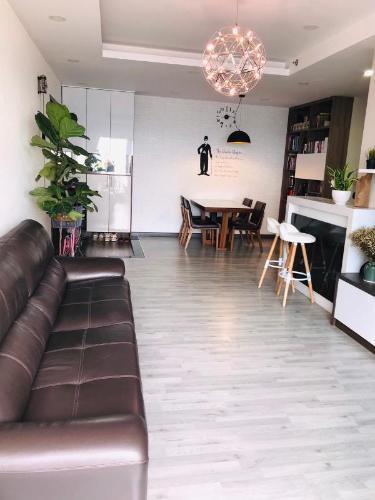 Căn hộ Sunrise City đầy đủ nội thất, thiết kế hiện đại, view thành phố