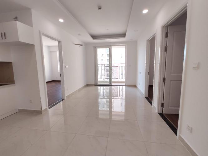 Phòng khách căn hộ SAIGON MIA Bán hoặc cho thuê căn hộ Saigon Mia 2PN, diện tích 76m2, nội thất cơ bản, view nội khu và Quận 1