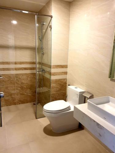 Phòng tắm , căn hộ SaiGon Royal , quận 4 Căn hộ Saigon Royal tầng cao hướng cửa Đông view nội khu, đầy đủ nội thất.
