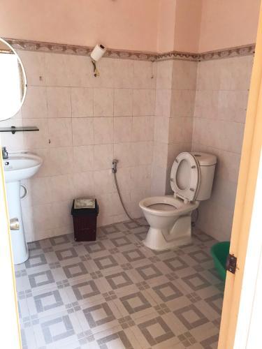 Phòng tắm nhà phố Quận 1 Nhà phố trung tâm Quận 1 khu phố an ninh yên tĩnh, hướng Tây Bắc.