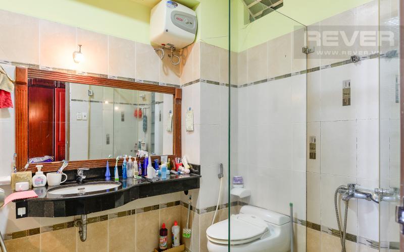 Phòng tắm 1 Nhà phố 3 phòng ngủ mặt tiền Nguyễn Cửu Vân Quận Bình Thạnh