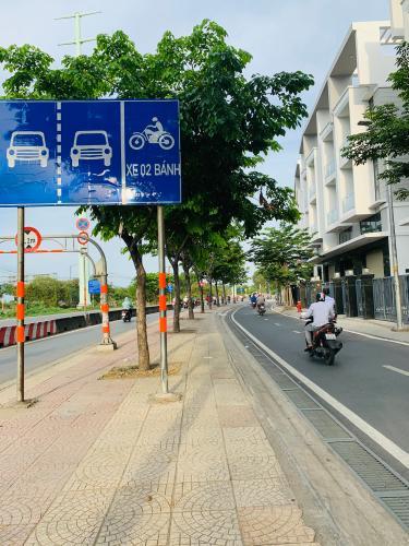 Đường nội bộ trước nhà phố quận 2 Cho thuê nhà nguyên căn MT Đồng Văn Cống, Quận 2, 4 lầu 1 lửng, giao thông thuận tiện