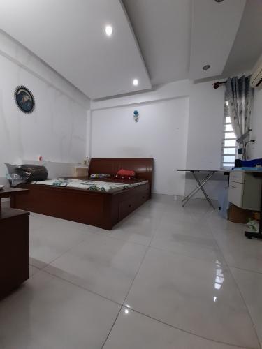 Phòng ngủ nhà phố Nhà phố hướng Đông Nam diện tích sử dụng 140.9m2, hẻm xe hơi.