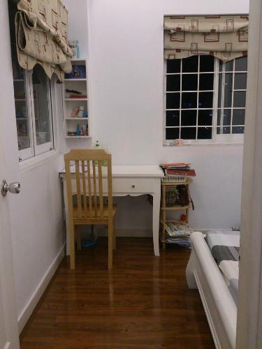 Phòng ngủ căn hộ chung cư Bộ Đội Biên Phòng Căn hộ tầng 9 chung cư Bộ Đội Biên Phòng view nội khu đón gió mát.