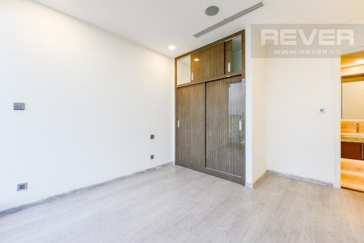 Phòng ngủ 1 Cho thuê căn hộ Vinhomes Golden River tầng cao, 2PN, view đẹp, tiện ích đa dạng