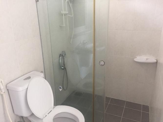 Toilet căn hộ chung cư Bình Khánh Bán căn hộ chung cư Bình Khánh tầng cao, diện tích 66m2 - 2 phòng ngủ, nội thất cơ bản