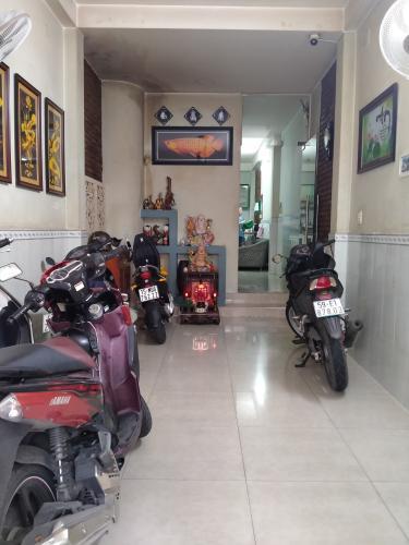 Phòng khách nhà phố Phú Nhuận Bán nhà 4 tầng hẻm Phan Đình Phùng, Phú Nhuận, sổ hồng, cách chợ Phú Nhuận 400m