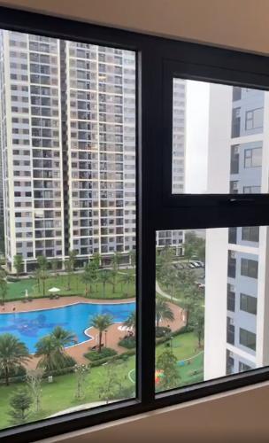 Phòng ngủ Vinhomes Grand Park Quận 9 Căn hộ Vinhomes Grand Park tầng trung, ban công view nội khu hồ bơi.