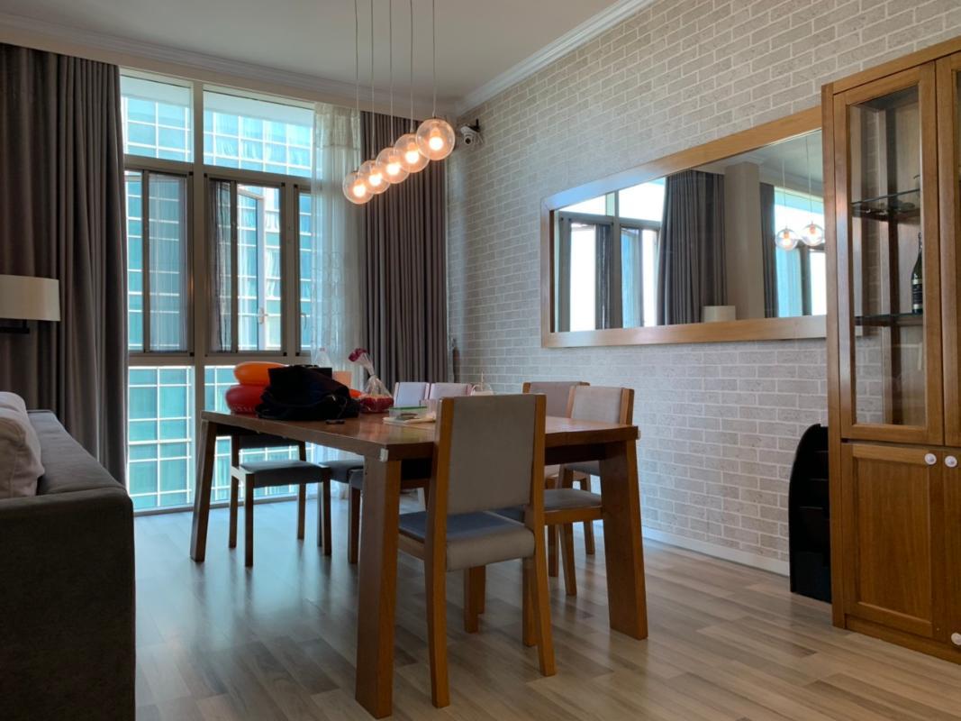 Bàn ăn Bán hoặc cho thuê căn hộ The Vista An Phú 4PN, tháp T3, diện tích 172m2, đầy đủ nội thất