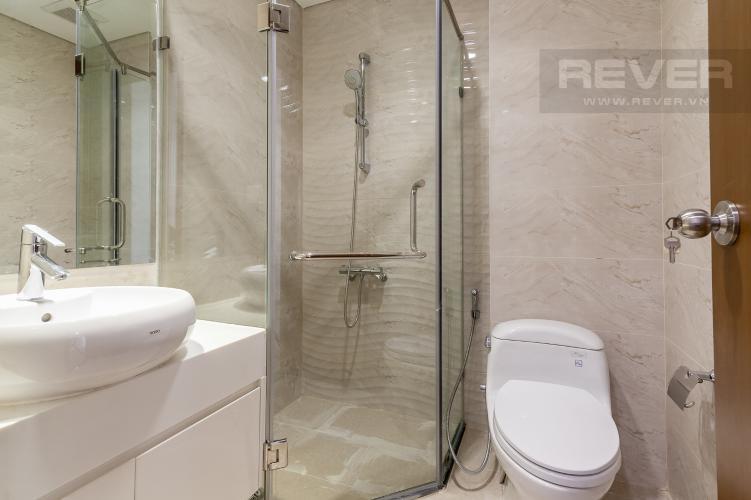 Phòng tắm 2 Căn góc Vinhomes Central Park tầng trung L2 nội thất cơ bản, view sông