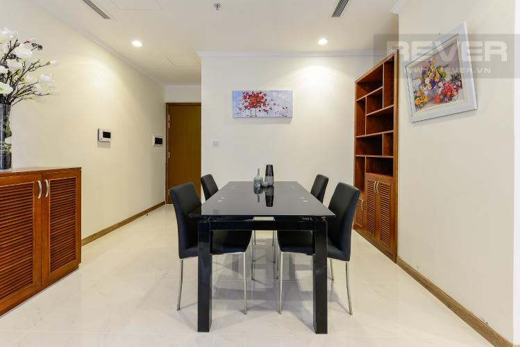 Bàn ăn Căn góc Vinhomes Central Park 2 phòng ngủ tầng trung L3 đầy đủ nội thất