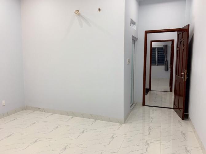 Phòng ngủ nhà phố Bình Tân Nhà phố mặt tiền Bình Tân hướng Đông, ngay ngã ba kinh doanh sầm uất.