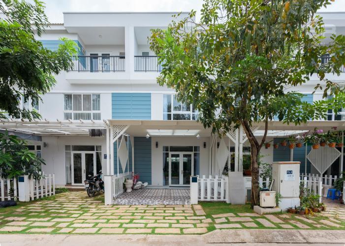 Mặt tiền Nhà phố khu compound Mega Khang Điền Quận 9 nội thất đầy đủ