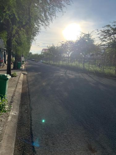Đường vào Đất nền Quận 7 Bán đất gần Trạm thu phí Nguyễn Văn Linh, Tân Phong, Quận 7, sổ hồng riêng