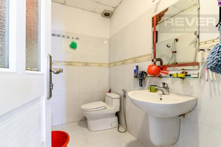Phòng Tắm 2 Căn hộ Chung Cư Khánh Hội 1 tầng thấp 2 phòng ngủ nội thất đầy đủ