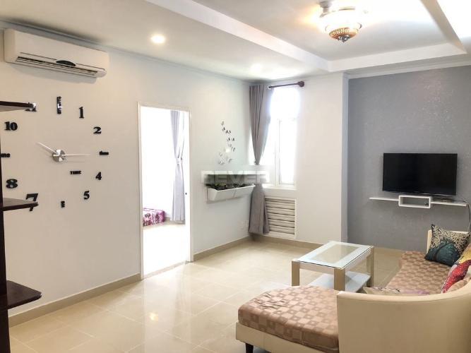 Phòng khách chung cư An Khánh, Quận 2 Căn hộ chung cư An Khánh hướng Đông, đầy đủ nội thất.