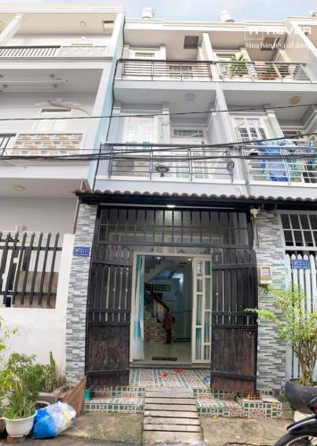 Cho thuê nhà nguyên căn hẻm Phạm Hữu Lầu, Nhà Bè, đầy đủ nội thất, cách cầu Phước Long khoảng 300m