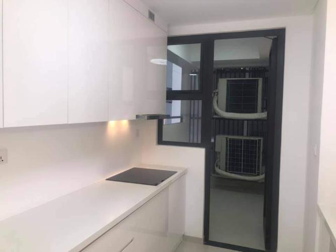 Phòng bếp căn hộ Riviera Point Căn hộ Riviera Point nội thất cơ bản, view thành phố sầm uất.