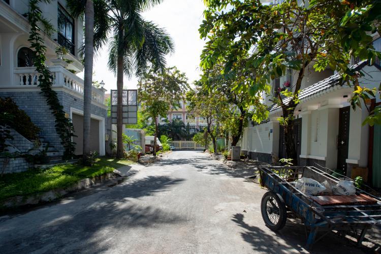 Đường căn hộ dịch vụ Trần Não, Quận 2 Căn hộ dịch vụ Trần Não nội thất tiện nghi, thiết kế tân cổ điển.
