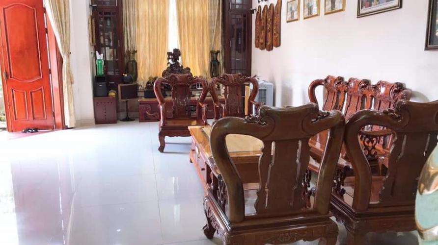 phòng khách nhà phố đường Lê Văn Lương Nhà phố Nhà Bè đầy đủ nội thất, khu dân cư an ninh, yên tĩnh.