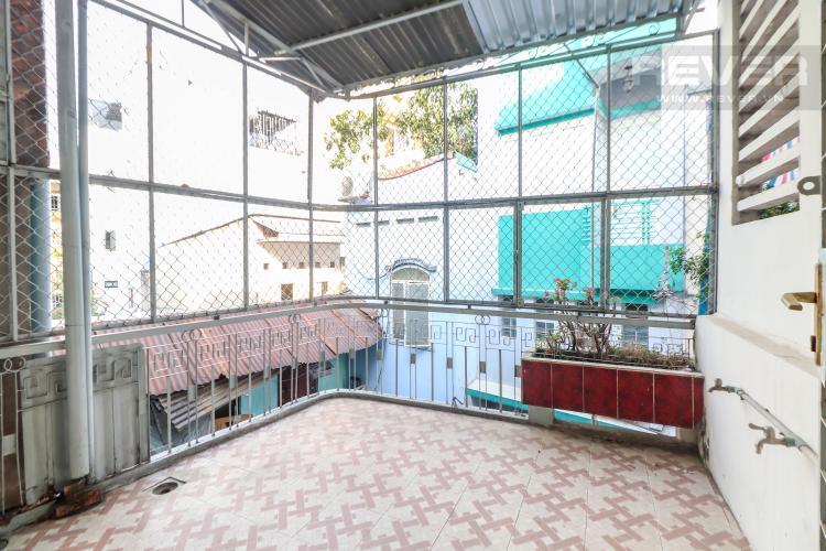ban-nha-quan-3 Bán nhà hẻm 3 tầng Trần Văn Đang, Quận 3, diện tích đất 50m2, sổ hồng chính chủ, cách chợ Hòa Hưng 900m
