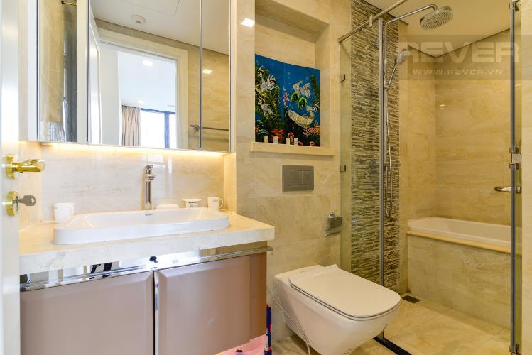 Phòng Tắm 2 Bán căn hộ Vinhomes Golden River 2PN, tầng trung, tháp The Aqua 4, đầy đủ nội thất, view sông Sài Gòn