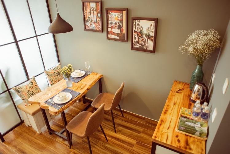 Phòng bàn ăn căn hộ OT Masteri Millennium Căn hộ Masteri Millennium đầy đủ nội thất, view sông và thành phố.