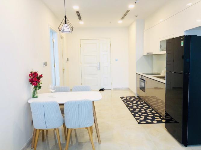Cho thuê officetel Vinhomes Golden River 1PN, diện tích 49m2, đầy đủ nội thất, hướng ban công Tây Nam