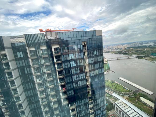 view  Căn hộ Vinhomes Golden River hướng Đông Bắc, tầng cao.
