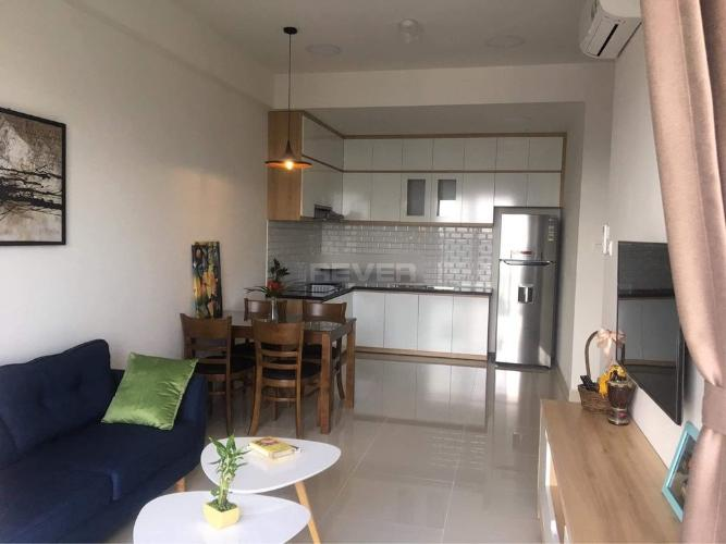 Phòng khách căn hộ The Sun Avenue, Quận 2 Căn hộ The Sun Avenue nội thất đầy đủ, view thành phố sầm uất.