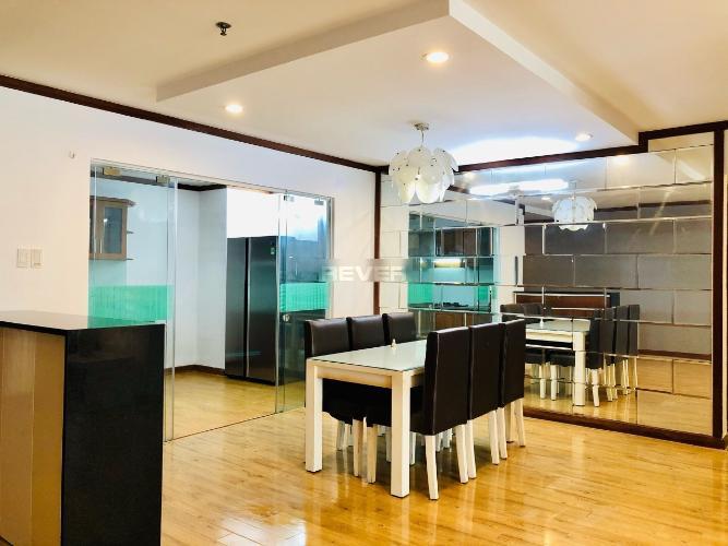 Căn hộ chung cư Chánh Hưng - Giai Việt tầng trung, view nội khu.