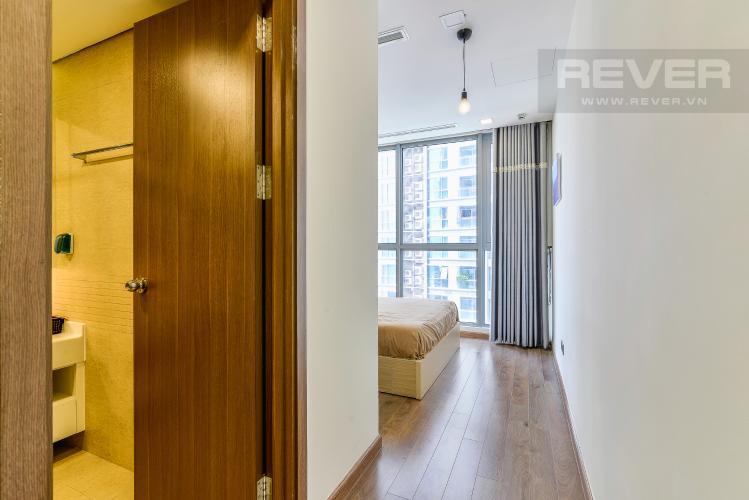 Phòng Ngủ 1 Căn hộ Vinhomes Central Park 2 phòng ngủ tầng trung P5 hướng Nam