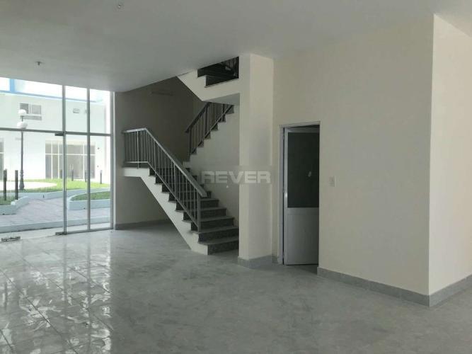 Không gian căn hộ chung cư 35 Hồ Học Lãm Căn hộ tầng trệt chung cư 35 Hồ Học Lãm hướng Đông Bắc.