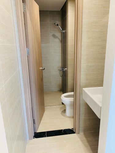 Nhà wc căn hộ Vinhomes Grand Park Căn hộ Vinhomes Grand Park nội thất cơ bản, tiện ích đa dạng.