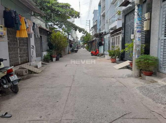 Nhà phố đường Gò Xoài, Bình Tân Nhà cấp 4 hướng Bắc hẻm xe hơi rộng 5m, diện tích 72m2.
