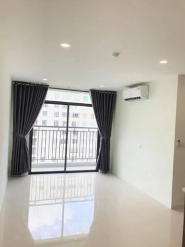 Phòng khách căn hộ Central Premium, Quận 8 Căn hộ Central Premium tầng 17 nội thất cơ bản, view nội khu mát mẻ.