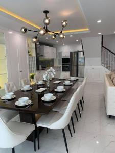 Bán căn hộ duplex 4S Riverside Garden Bình Triệu 3PN, đầy đủ nội thất sang trọng, view thoáng, đã có sổ hồng