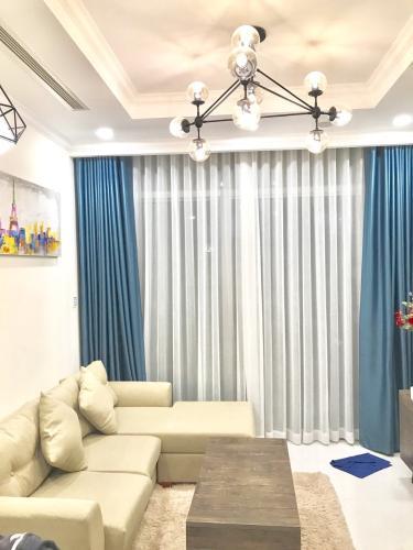 Phòng khách căn hộ Vinhomes Central Park Cho thuê căn hộ Vinhomes Central Park 2PN, tháp Landmark 6, diện tích 78m2, đầy đủ nội thất