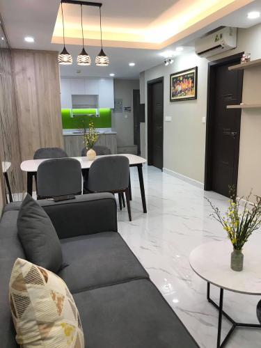 Phòng khách căn hộ Saigon South Residence Căn hộ tầng cao đầy đủ nội thất Saigon South Residence, tiện ích cao cấp