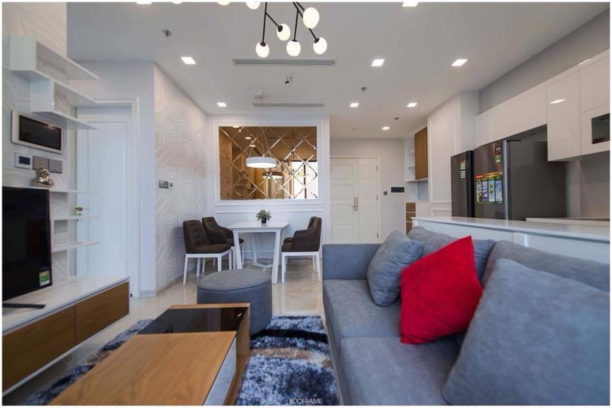 2 Cho thuê căn hộ Vinhomes Golden River 2PN, tầng cao, đầy đủ nội thất, view sông và Landmark 81