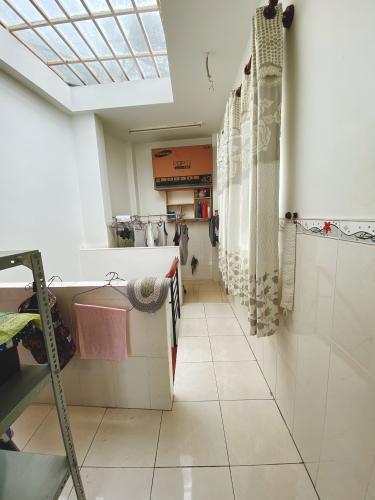 Lô gia nhà phố Vĩnh Viễn, Quận 10 Nhà phố trung tâm quận 10, hướng Tây, đầy đủ nội thất.