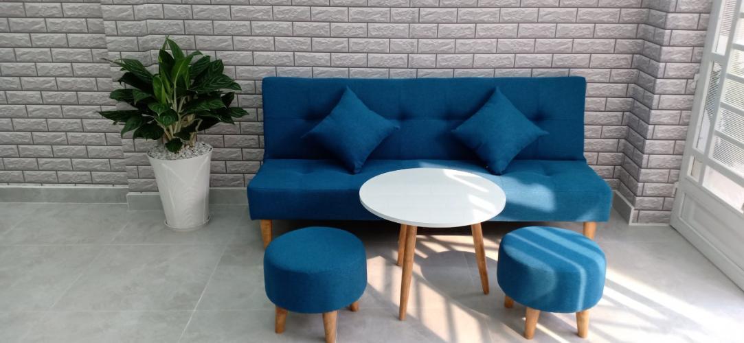 Phòng khách nhà phố Tôn Đản, Quận 4 Nhà phố quận 4 rộng 27.3m2, sổ hồng riêng, nội thất cơ bản.